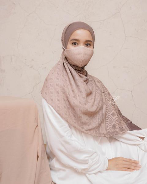 Masker Minang Walnut