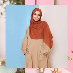Bismillahirrahmanirrahim,Colors of fall, #HananiaDress in khaki & #NauraSeries in Cinnamon Stick 😍🍂🍁🌾 kombinasi yang super comfy dan anti ribet bisa banget jadi temen kamu sehari-hari Lgirls~Available for order through whatsapp admins & e-commerce! Happy Shopping🤍Website: www.lbylcb.com Malaysia: +60 112-1257-168 Whatsapp 1: +62 812-9125-6179 Whatsapp 2: +62 8211-2250-088 Whatsapp 3: +62 812-2181-6645 CS Website: +62 8124-4687-795#LbyLCB #LoveConfidenceBeauty
