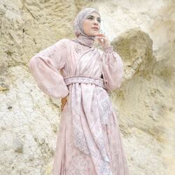 Bismillahirrahmanirrahim,Introducing Sadiyah Long Shirt in Lovely Dusty Pink from Persona Series💖✨Available for order through whatsapp admins & website! Happy Shopping~Website: www.lbylcb.com Malaysia: +60 112-1257-168 Whatsapp 1: +62 812-9125-6179 Whatsapp 2: +62 8211-2250-088 Whatsapp 3: +62 812-2181-6645 CS Website: +62 8124-4687-795#LbyLCB #LoveConfidenceBeauty #PersonaSeries
