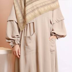 Bismillahirrahmanirrahim,Detail dress dari #HananiaDress in Champagne, Dress yang super comfy dan anti ribet bisa banget jadi temen kamu hari ini😍Available for order through whatsapp admins & e-commerce! Happy Shopping🤍Website: www.lbylcb.com Malaysia: +60 112-1257-168 Whatsapp 1: +62 812-9125-6179 Whatsapp 2: +62 8211-2250-088 Whatsapp 3: +62 812-2181-6645 CS Website: +62 8124-4687-795#LbyLCB #LoveConfidenceBeauty