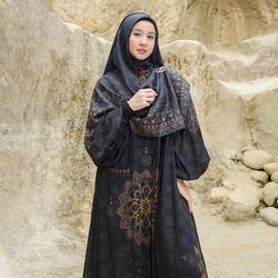 Bismillahirrahmanirrahim,Introducing Sadiyah Long Shirt in Elegant Raven Black from Persona Series🖤✨Available for order through whatsapp admins & website! Happy Shopping~Website: www.lbylcb.com Malaysia: +60 112-1257-168 Whatsapp 1: +62 812-9125-6179 Whatsapp 2: +62 8211-2250-088 Whatsapp 3: +62 812-2181-6645 CS Website: +62 8124-4687-795#LbyLCB #LoveConfidenceBeauty #PersonaSeries
