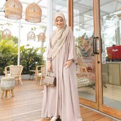 Bismillahirrahmanirrahim,Lgirls, Any plans for today? Ada Atiya Dress nih cocok banget kamu styling dengan persona series dan L Bags yang super canti, setuju gak?😍Available for order through whatsapp admins & e-commerce! Happy Shopping🤍Website: www.lbylcb.com Malaysia: +60 112-1257-168 Whatsapp 1: +62 812-9125-6179 Whatsapp 2: +62 8211-2250-088 Whatsapp 3: +62 812-2181-6645 CS Website: +62 8124-4687-795#LbyLCB #LoveConfidenceBeauty #AtiyaSeries
